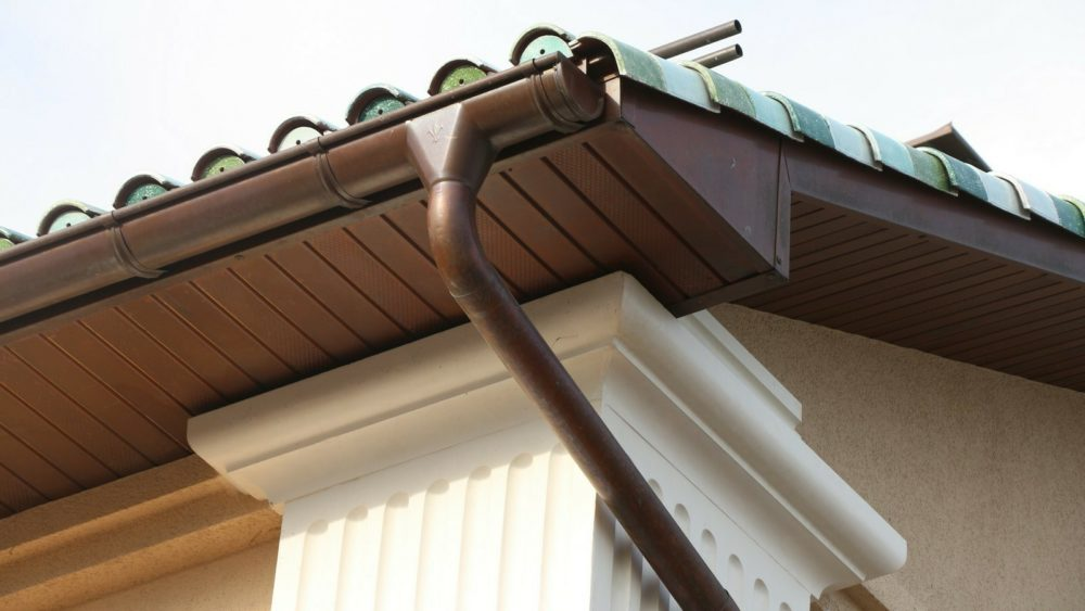 what are eaves on a house