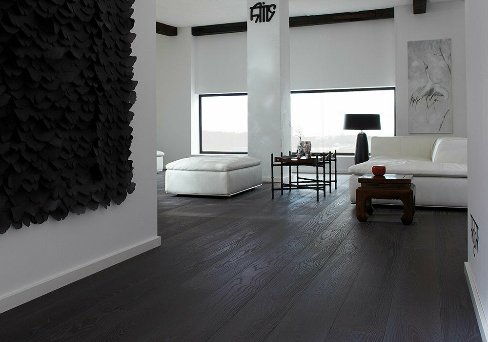 dark and light hardwood flooring